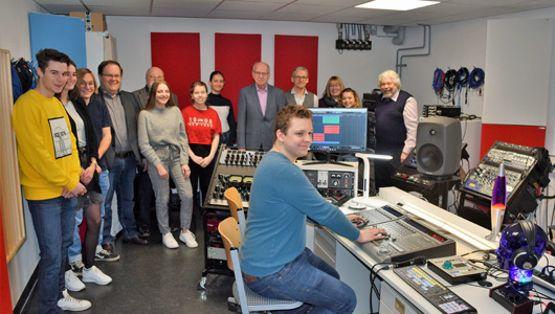 Inbetriebnahme eines Hightech-Tonstudios an der FOS/BOS
